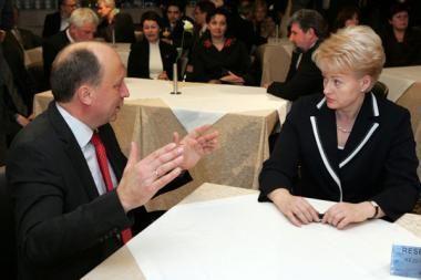 Premjeras džiaugiasi Prezidentės parama vienam ministrui ir atmeta kritiką kitam