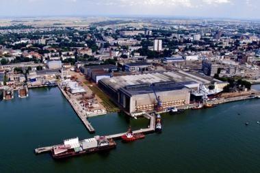 """""""Vakarų Baltijos laivų statykla"""" Rusijos kompanijai statys baržas"""