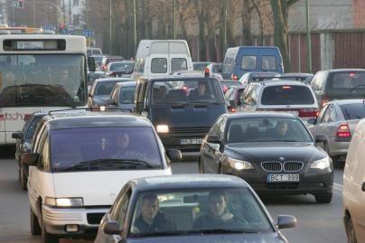 Lietuva pagal automobilių skaičių - arti lyderių
