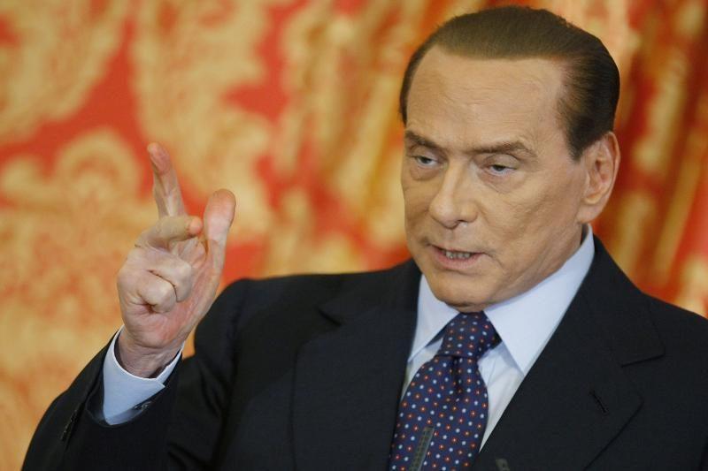 S. Berlusconi buvusiai žmonai mokės po 36 mln. eurų per metus