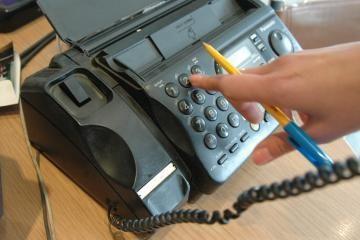 Ieškant pagalbos, kaista telefonai