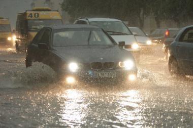 Karštį Kaune plauna lietus