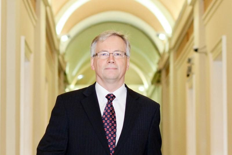 Ministro pažadai: įsivedus eurą didės ir žmonių pajamos