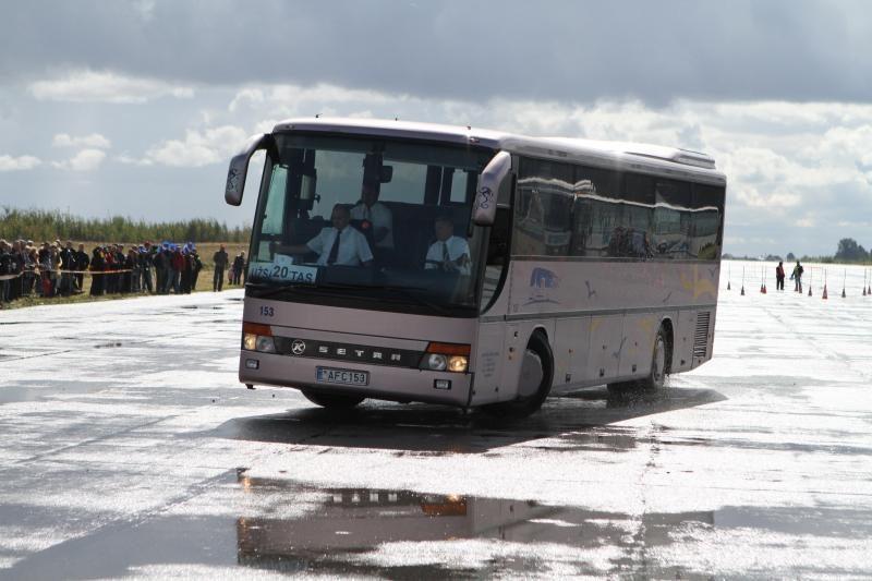WiFi ryšys, saugos diržai - visuose naujuose šalies autobusuose