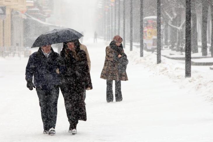 Į Lietuvą grįžta tikra žiema: pūs gūsingas vėjas, kils pūgos