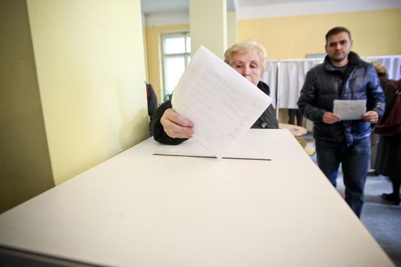 Rinkimų stebėtoja Lentvaryje: žmonės balsuoja sąmoningiau