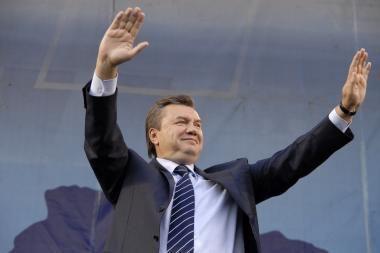 V.Janukovyčius kaltina J.Tymošenko