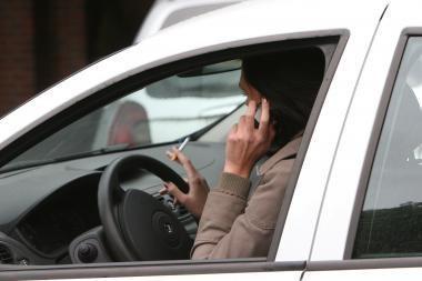 Policija sulaikė 12 tūkst. litų bandžiusį išvilioti telefoninį sukčių