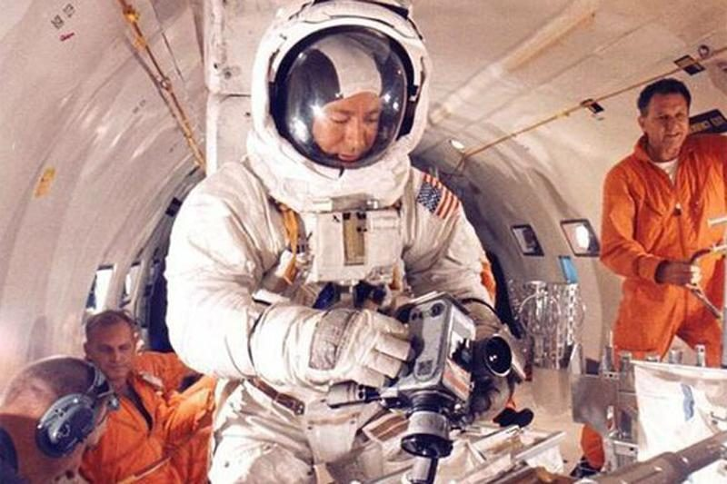Kodėl ir kaip astronautų rūbai orbitoje skalbiami vieną vienintelį kartą? (apklausa gatvėje)
