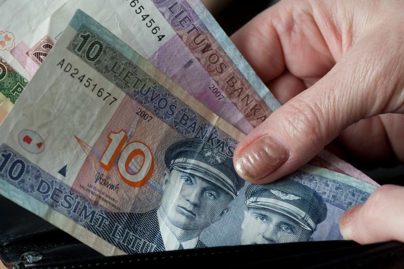 """""""Darbiečiai"""" siūlo iki 620 litų didinti neapmokestinamas pajamas"""