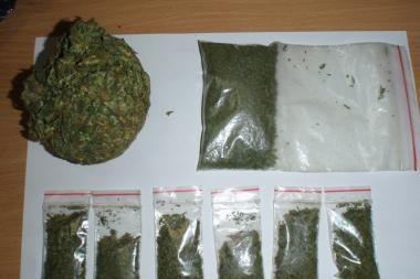 Elektrėnų narkomanus policijos pareigūnai paliko be tiekėjų