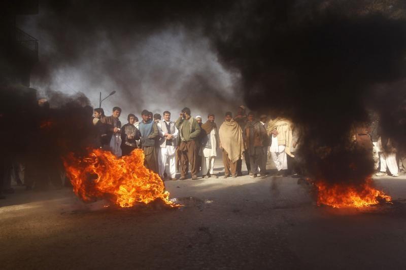 Afganistane per protestus dėl sudegintų Korano knygų žuvo penki žmonės