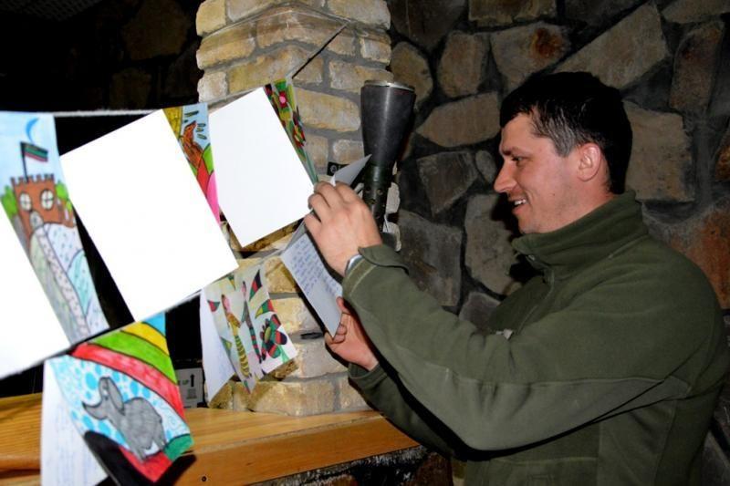Afganistane esantiems kariams – linkėjimai nuo Lietuvos moksleivių