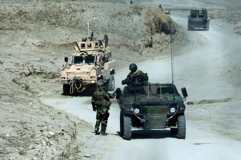 Afganistane po lietuvių karių visureigiu sprogo užtaisas