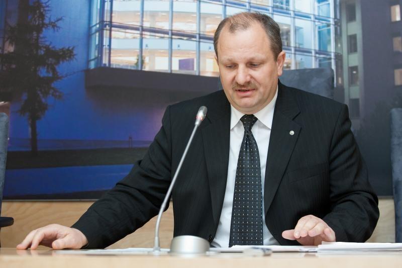K.Komskį komiteto pirmininko poste keičia L.Kernagis