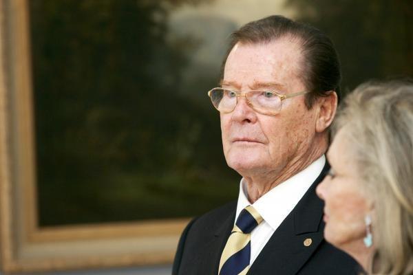 Per Džeimso Bondo daiktų aukcioną surinktas 1 mln. svarų