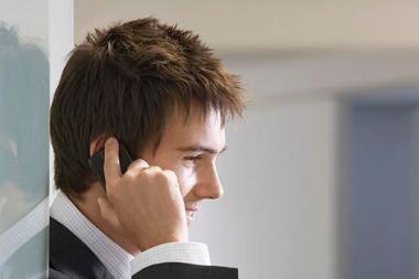 Dėl krizės mobiliojo ryšio vartotojai keičia savo įpročius