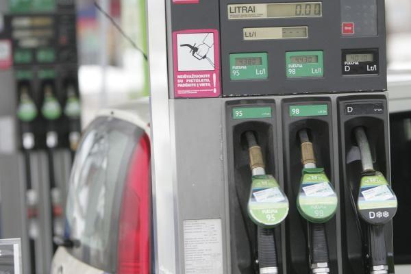 Lietuva - pagrindinė degalų tiekėja Latvijai