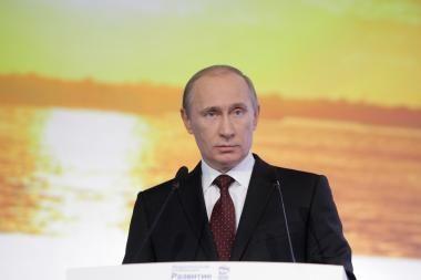 Linkėdamas sveikatos buvusiam JAV vadovui G. W. Bushui, V. Putinas siunčia žinią dabartiniam lyderiui B. Obamai