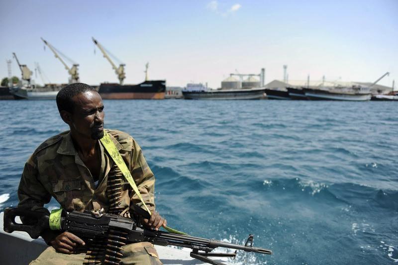 ES jūrų pajėgų aviacija smogė Somalio piratų taikiniams sausumoje