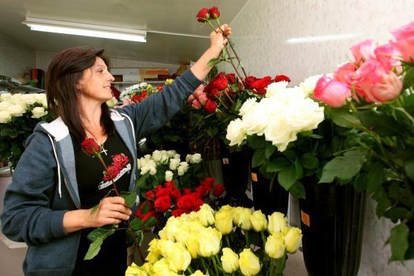 Didžiojoje Britanijoje atsigauna mažmeninės prekybos sektorius