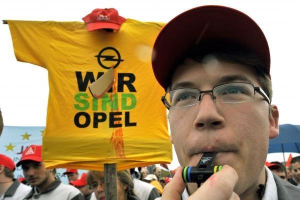 """""""Opeliui"""" – beveik milijardas JAV dolerių"""