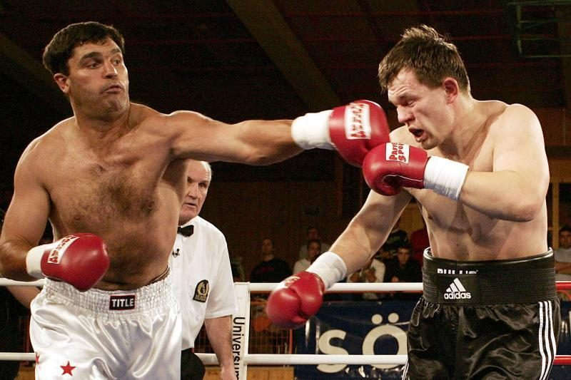 Pasaulio bokso čempionas restorane mirė nuo atsitiktinės kulkos