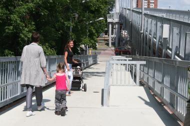 Pėsčiųjų tiltas pagaliau atviras žmonėms