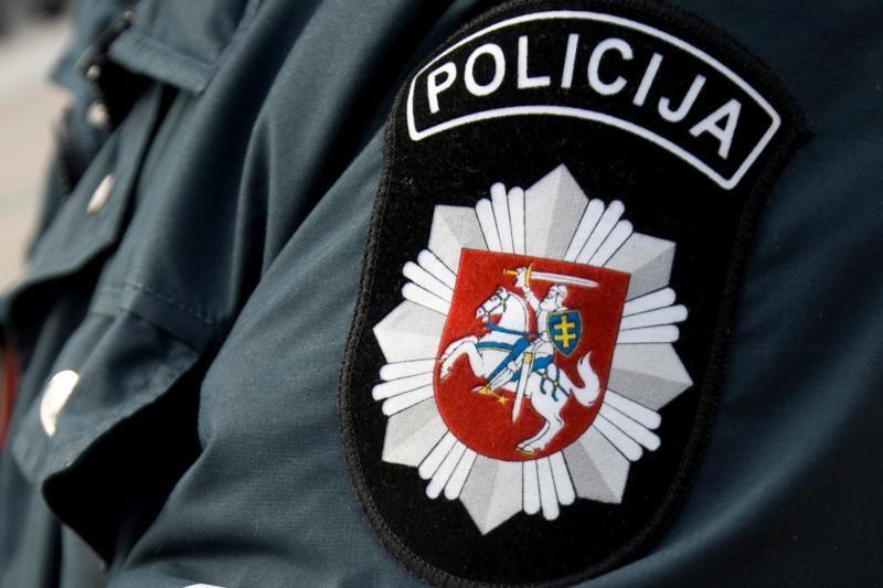 Girtumą tikrintis atsisakęs policininkas atleistas iš darbo