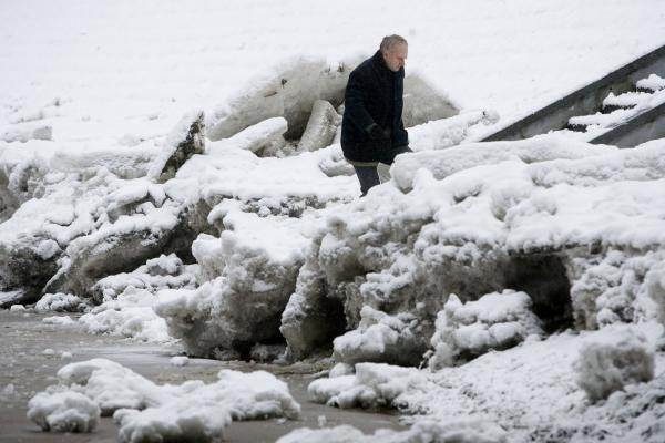 Pirmosiomis 2010-ųjų dienomis dar atšals