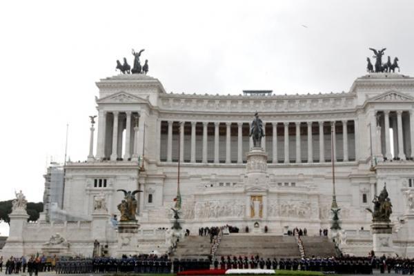 H.van Rompuy sveikina taupymo planą priėmusią Italiją