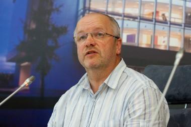 J.Oleko įžvalgos: Švietimo įstatymas diskriminuoja valstybines mokyklas