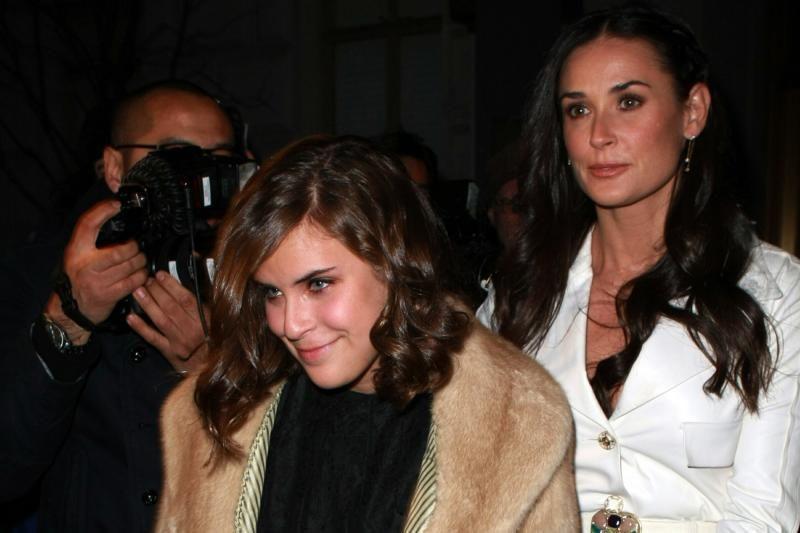 Aktorių Bruce'o Williso ir Demi Moore dukrai skirta viešųjų darbų