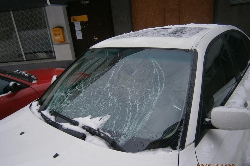 Kaltų dėl apgadintų automobilių tenka ieškoti teismuose