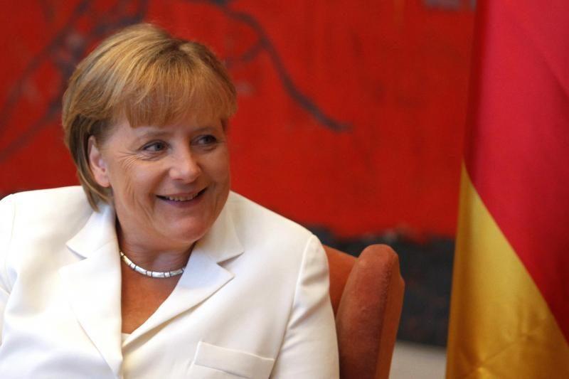 Galingiausių pasaulio moterų sąrašo viršūnėje - A.Merkel ir H.Clinton