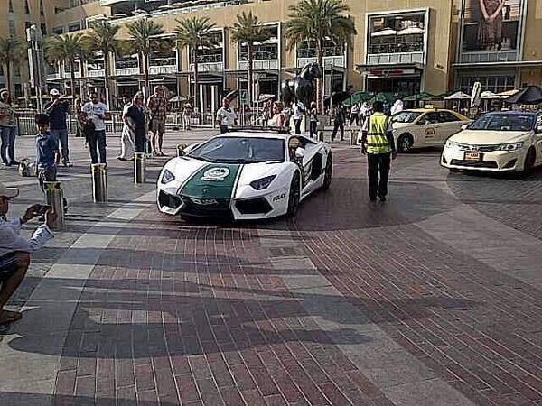 """Po Dubajaus gatves važinėja """"Lamborghini"""" patrulis (foto)"""