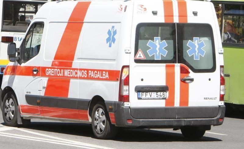 Šakių rajone apvirtus automobiliui, nukentėjo dvi 18-metės