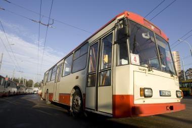 """Autobusų ir troleibusų vairuotojų gripas """"nesukabino"""""""
