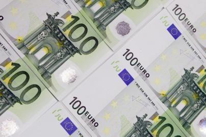 Lietuviai linkę investuoti į kaimynines rinkas