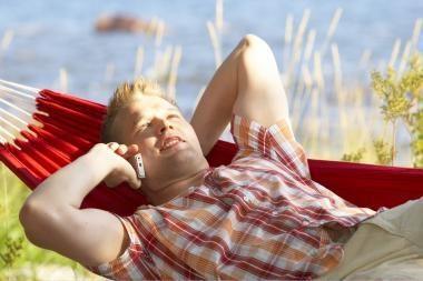 Trečdalis lietuvių atostogaudami ir dirba
