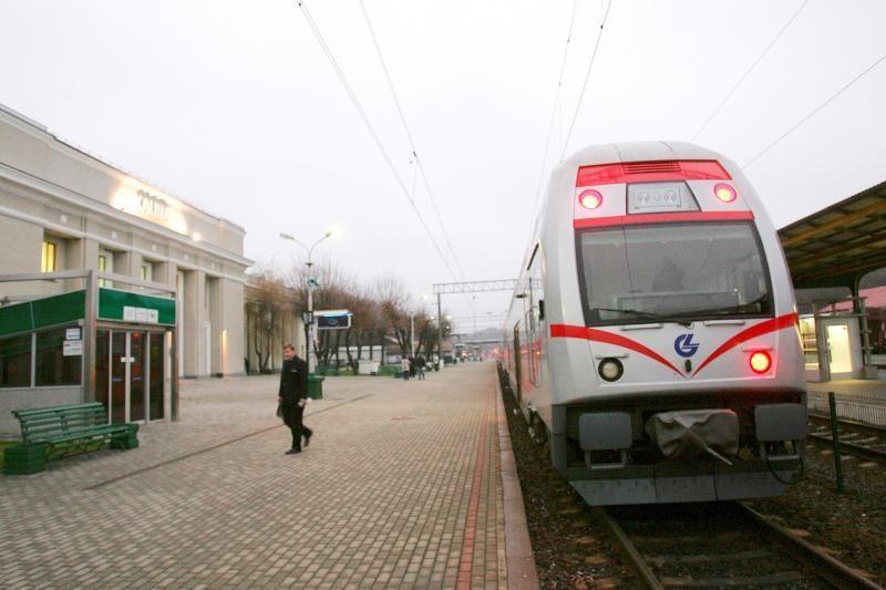 Kada turėsime nemokamas ir didesnes stovėjimo aikšteles prie stočių?