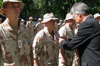 Kaune apdovanoti iš Irako grįžę kariai
