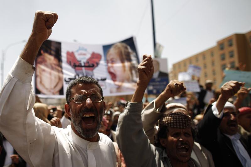 """Per """"al Qaeda"""" ataką žuvusių Jemeno karių skaičius padidėjo iki 78"""
