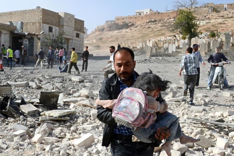 Rytų Sirijoje sukilėliai numušė karo lėktuvą, praneša organizacija