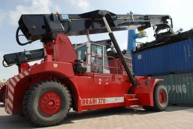 Klaipėdos uoste mirtinai pervažiuotas žmogus