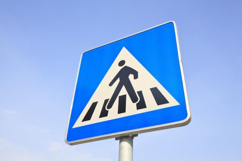 Sostinėje pėsčioji žuvo po dviejų automobilių ratais