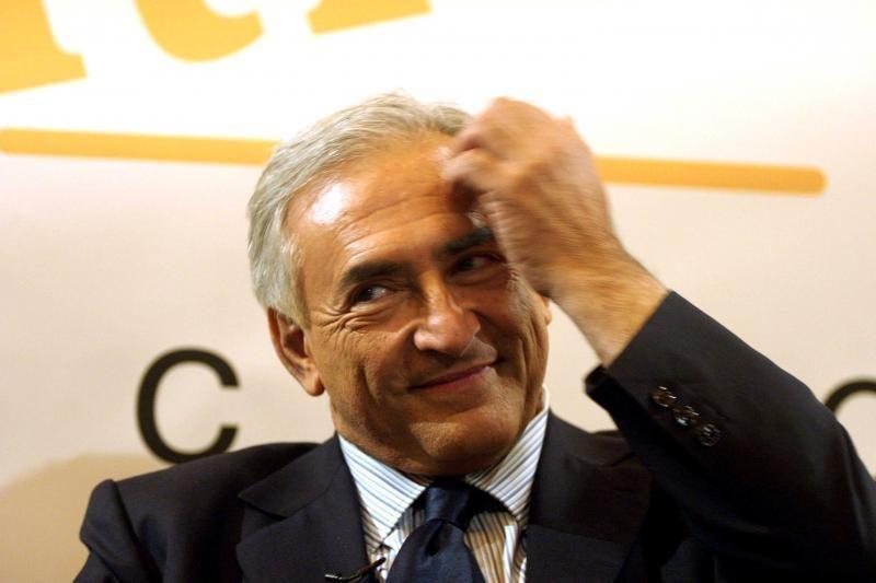 D. Straussas-Kahnas prašo žiniasklaidos palikti jį ramybėje