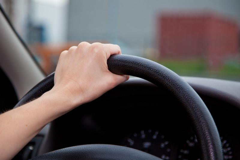 Šakių rajone jaunuoliai pavogė automobilį ir pateko į avariją