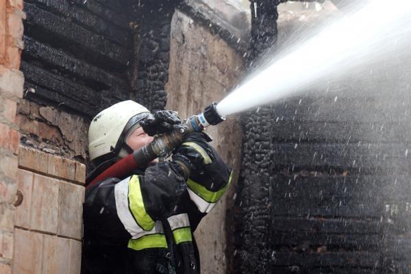 Virbalyje gaisrą sukėlę benamiai be pastogės paliko tris šeimas