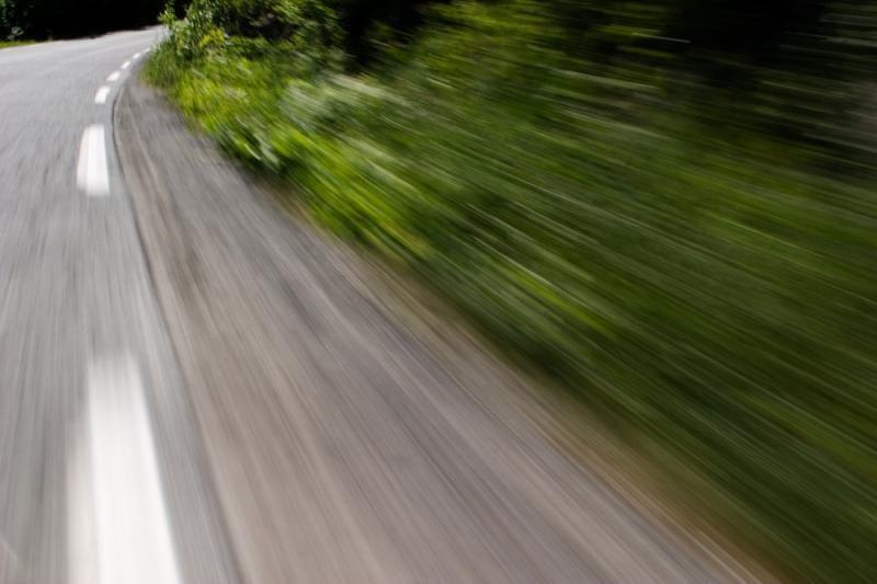 Tauragės rajone apvirtus automobiliui žuvo 35-ių metų moteris